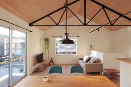 9坪ハウス: こぢこぢ一級建築士事務所が手掛けたです。