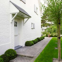 Pure PPH-350 outside doorpull in White bronze (WB): landelijke Huizen door Dauby