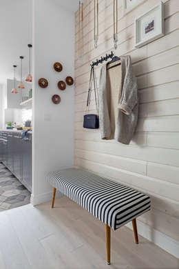 eclectic Corridor, hallway & stairs by Ayuko Studio