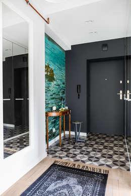 Our photoshoot of apartment design by D Plus Dagmara Zawadzka : styl , w kategorii Korytarz, przedpokój zaprojektowany przez Ayuko Studio
