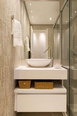 ห้องน้ำ by TRÍADE ARQUITETURA