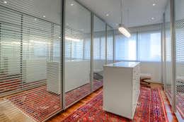 classic Dressing room by VL Arquitetura e Interiores
