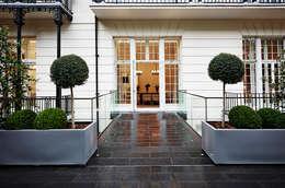 บ้านและที่อยู่อาศัย by Flairlight Designs Ltd