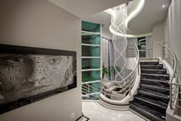 Pasillos y hall de entrada de estilo  por Arquiteto Aquiles Nícolas Kílaris