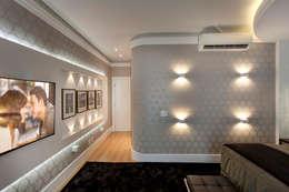 Cuartos de estilo moderno por Arquiteto Aquiles Nícolas Kílaris