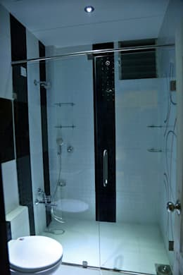 Master Bedroom Bathroom: modern Bathroom by ZEAL Arch Designs