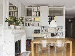 Malo & Pol - Appartement lumineux de 110 m² au Coeur du Marais: Salon de style de style Moderne par Batiik Studio