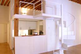 Cocinas de estilo moderno por Beriot, Bernardini arquitectos