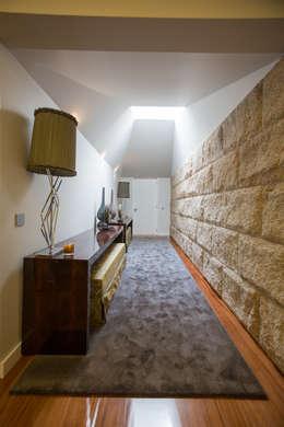 Corridor & hallway by RDLM Arquitectos associados