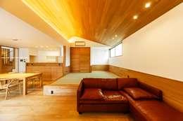 haus-slou: 一級建築士事務所hausが手掛けた和室です。