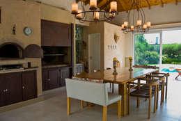 Konservasi by LLACAY arquitectos