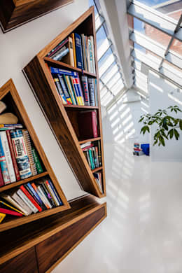 Our photoshoot of apartment design by Biderman Architects: styl , w kategorii Korytarz, przedpokój zaprojektowany przez Ayuko Studio