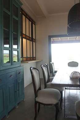 Casa en Club de Chacras La Ranita: Comedores de estilo clásico por Diego Porto Arquitecto