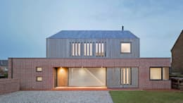 Front elevation of Broad Street House, Suffolk: modern Houses by Nash Baker Architects Ltd