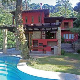 Nhà gia đình by Maria Claudia Faro