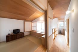 Salas de entretenimiento de estilo moderno por FAD建築事務所