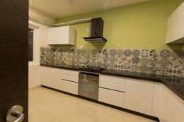Apartment Interiors: modern Kitchen by Studio Stimulus