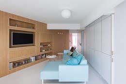 scandinavian Living room by De Clercq + Declercq