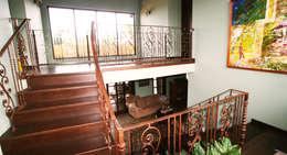 vide woonkamer: tropische Woonkamer door architectenbureau Aerlant Cloin BNA