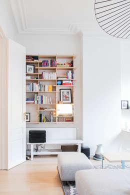 Rénovation d'un appartement bruxellois: Salon de style de style Moderne par Alizée Dassonville | architecture