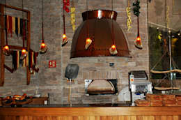 RUSTIC-KITCHEN: Comedor de estilo  por Diseño Integral En Madera S.A de C.V.