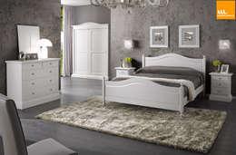 Camera da letto matrimoniale in stile arte povera bianca: Camera da letto in stile In stile Country di Mobilinolimit