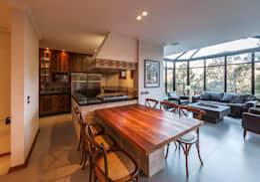 Comedores de estilo rústico por VNK Arquitetura e Interiores