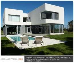 Casa El paso IV: Casas de estilo moderno por ARRILLAGA&PAROLA