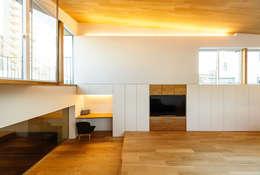 haus-note: 一級建築士事務所hausが手掛けたリビングです。