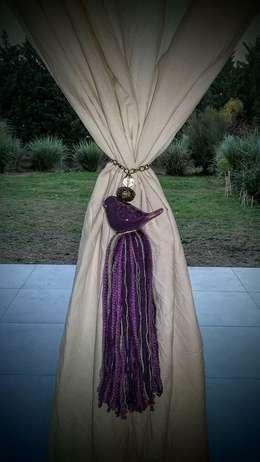 Adorno cortinas: Hogar de estilo  por Gama Design