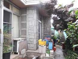 진해 여좌동 주택 인테리어 : 핸디디자인 의  주택