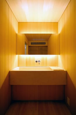 asian Bathroom by 花屋設計部