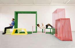 Intersections: moderne Gang, hal & trappenhuis door Studio Izabela Bołoz