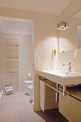 Ванные комнаты в . Автор – senzanumerocivico