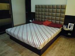 Punjabi's Residence.: modern Bedroom by MAVERICK Architects