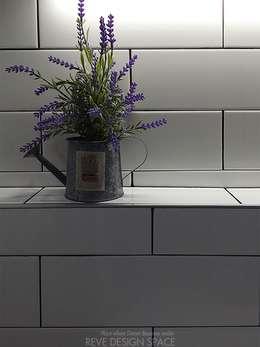 동탄아파트인테리어 능동 푸른마을두산위브 33평 인테리어: 디자인스튜디오 레브의  화장실
