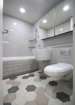 동탄아파트인테리어 반송동 시범다은마을 포스코더샵 33평 인테리어: 디자인스튜디오 레브의  화장실