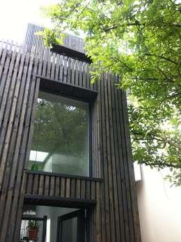 Rénovation et agrandissement d'une maison individuelle: Maisons de style de style Moderne par SARA Architecture