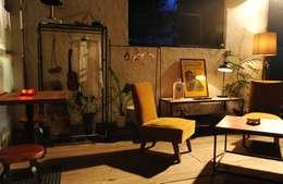 modern Living room by studio caravn