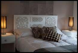 Departamento Punta Carretas: Dormitorios de estilo ecléctico por Diseñadora Lucia Casanova