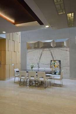 GAJENDRA YADAV'S RESIDENCE: modern Dining room by Spaces Architects@ka