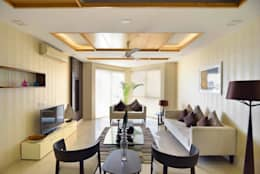 J. P. GREENS FLAT: modern Living room by Spaces Architects@ka