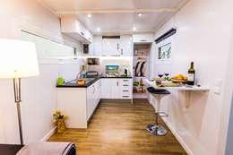 Cocinas de estilo moderno por MoDULoW