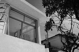 Villa Bre&Cas: Maisons de style de style Moderne par Y architecture