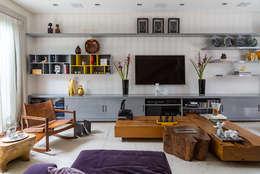 modern Living room by Eliane Mesquita Arquitetura