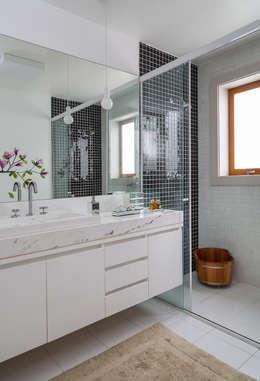 Sampaio Vidal: Banheiros modernos por Eliane Mesquita Arquitetura