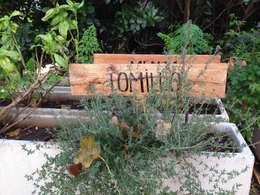 Jardines de estilo moderno por GG&A