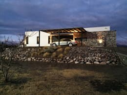 """"""" Casa Laguna"""": Casas de estilo moderno por Mora & Hughes arquitectos"""