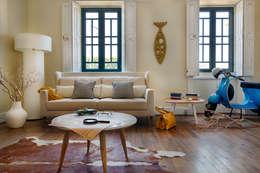 Salon de style de style eclectique par Loloca Design