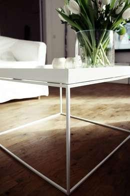 Salas/Recibidores de estilo moderno por Torina Mobiliario